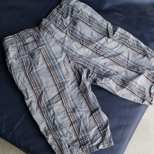 Super nice young mens Utility short size 28